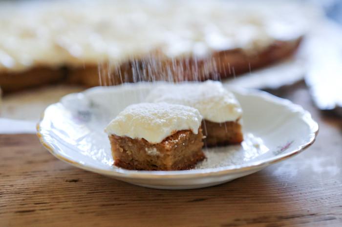 Paleo Gooey Butter Cake
