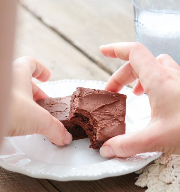 paleo-friendly brownies