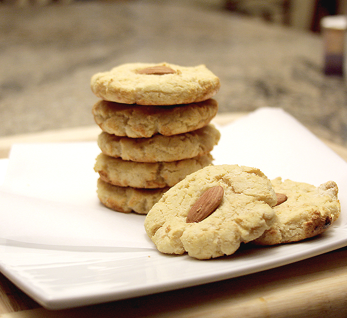 Easy Almond Cookies Recipe