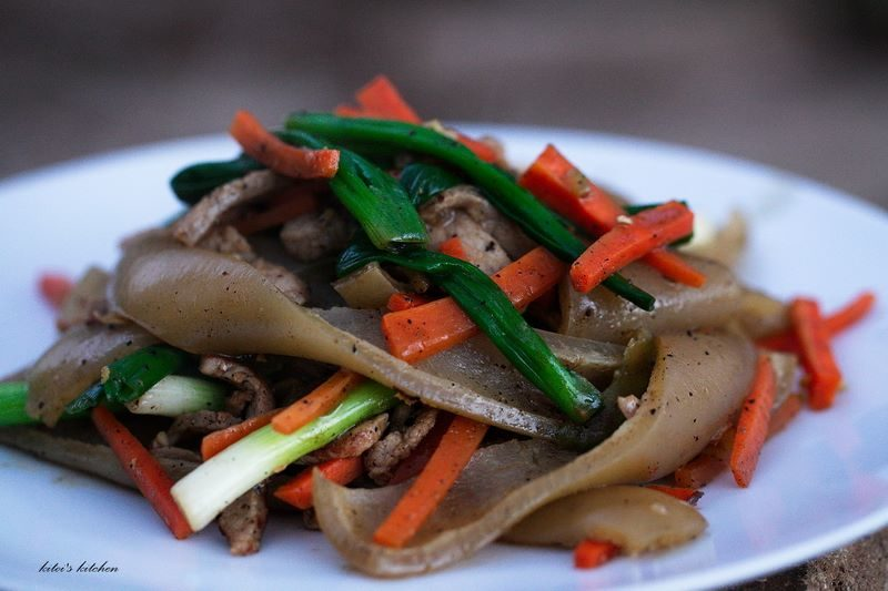 Chow Fun with Pigskin Noodle Recipe
