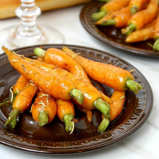 Rosemary and Garlic Maple Glazed Carrots Recipe