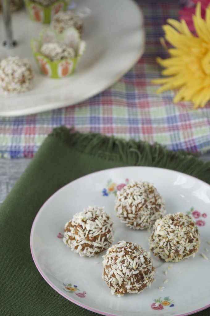 Raw Carrot Cake Bites Recipe