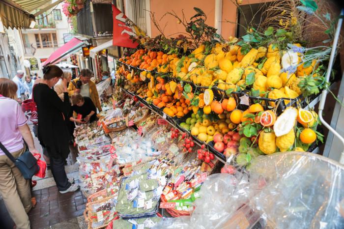 siciliy fruit stand taorimina