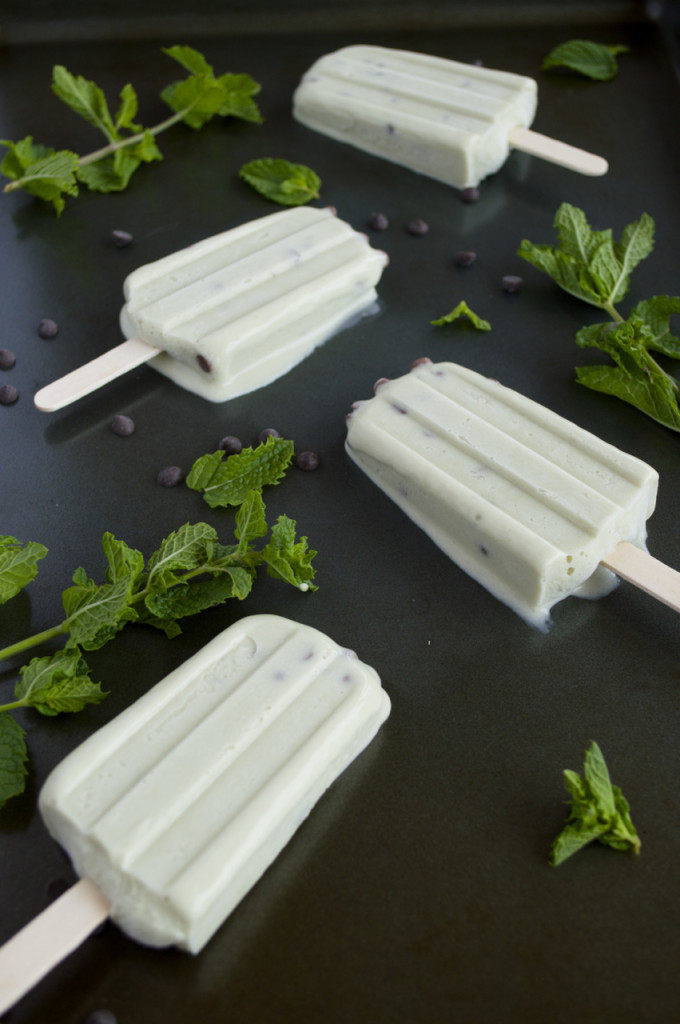 mint chocolate popsicles
