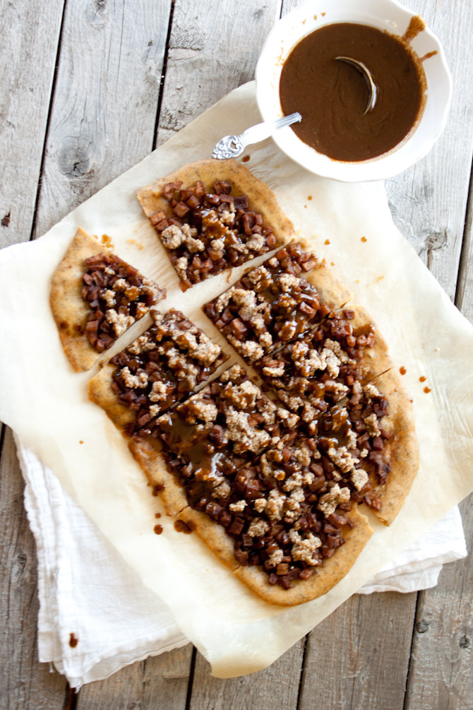 Paleo Apple Streusel Flatbread