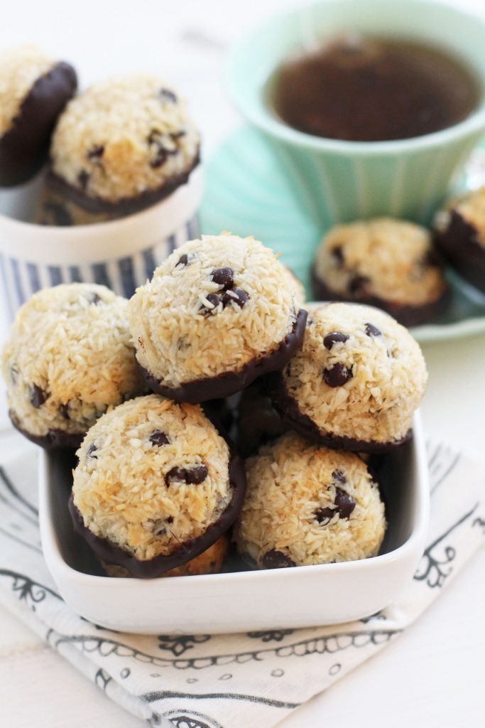 Chocolate Chip Coconut Macaroons Recipe