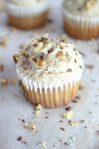 Carrot Cake Mini Muffins with Cinnamon Spiked Vanilla Cashew Cream Cheese Frosting