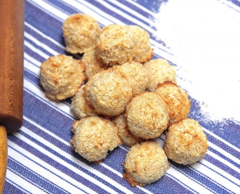 4-Ingredient Coconut Macaroons Recipe