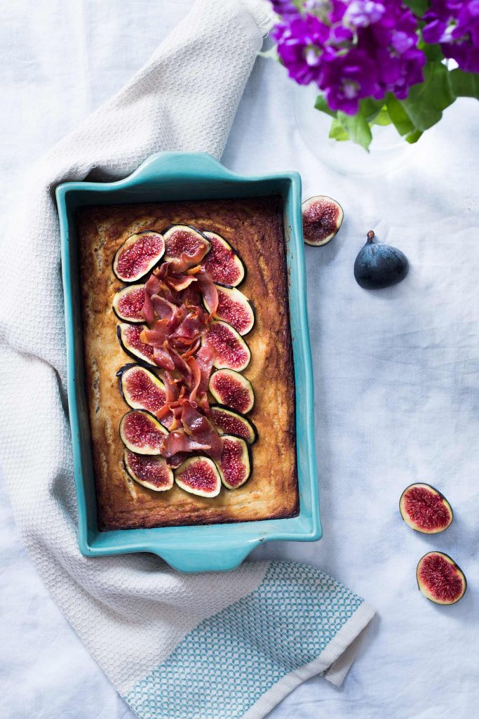 Cauliflower cake with glazed-maple bacon and figs Recipe