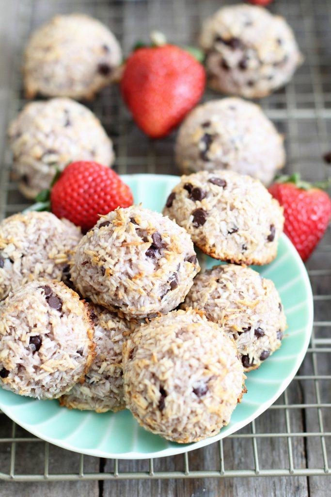 Strawberry Chocolate Chip Macaroons Recipe