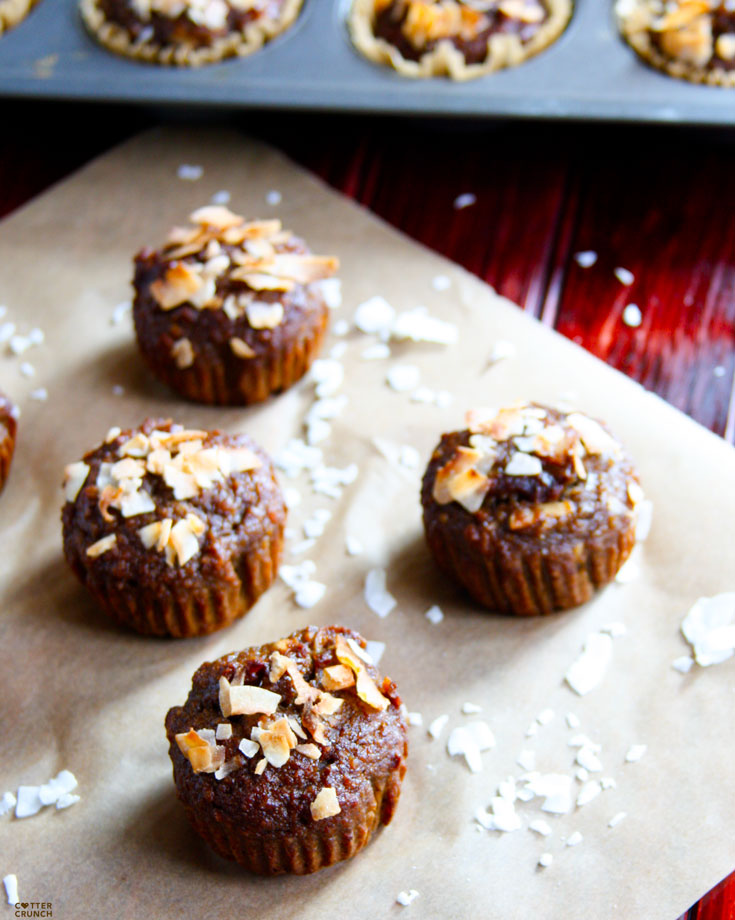 toasted-coconut-naner-muffins