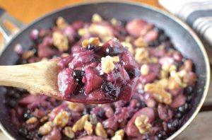 Easy 5 Ingredient Blueberry-Peach Crumble Recipe