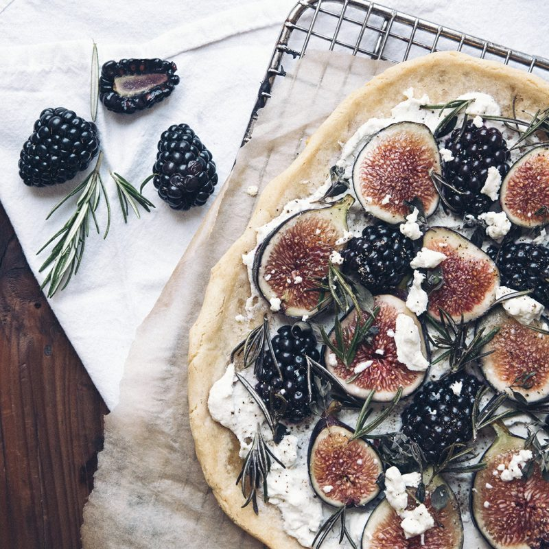 GlutenFree Fig, Blackberry, Goat Cheese and Rosemary Naan Pizza Recipe