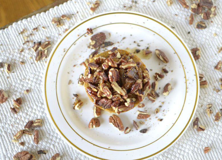 2 Minute Flourless Pumpkin Pecan Sticky Bun Recipe