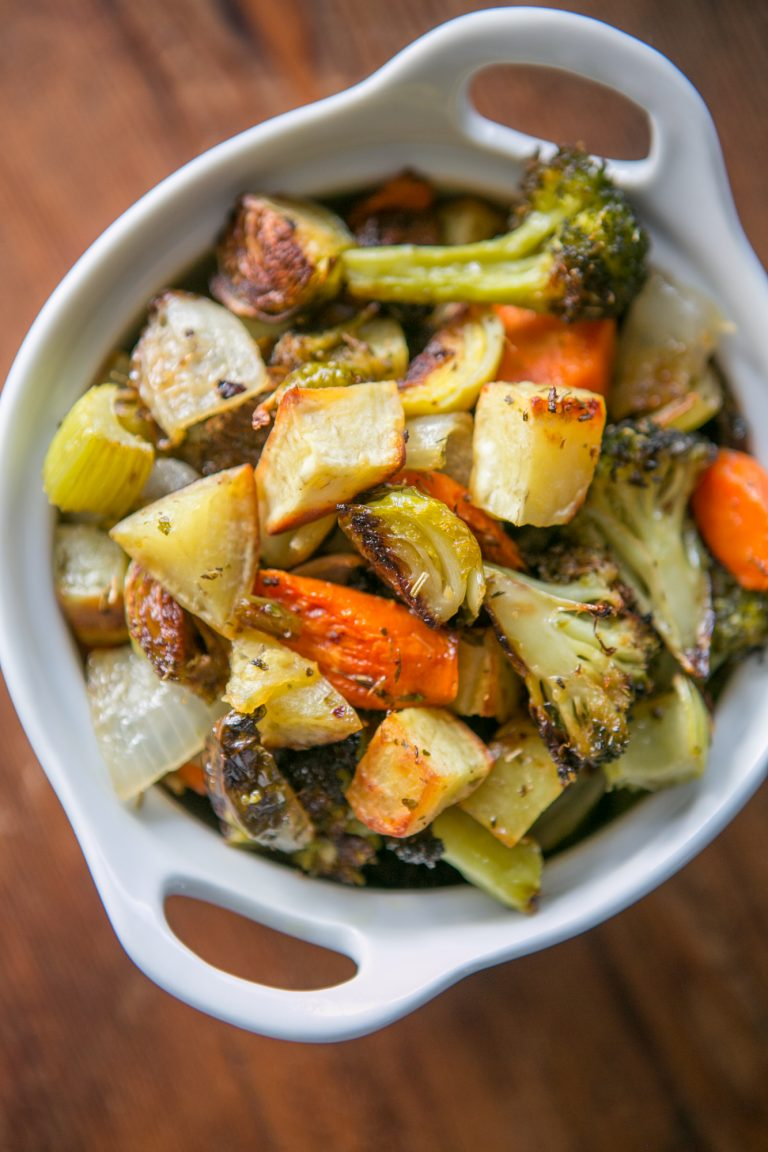 Easy Whole30 Side Dish: Sheet Pan Roasted Vegetables